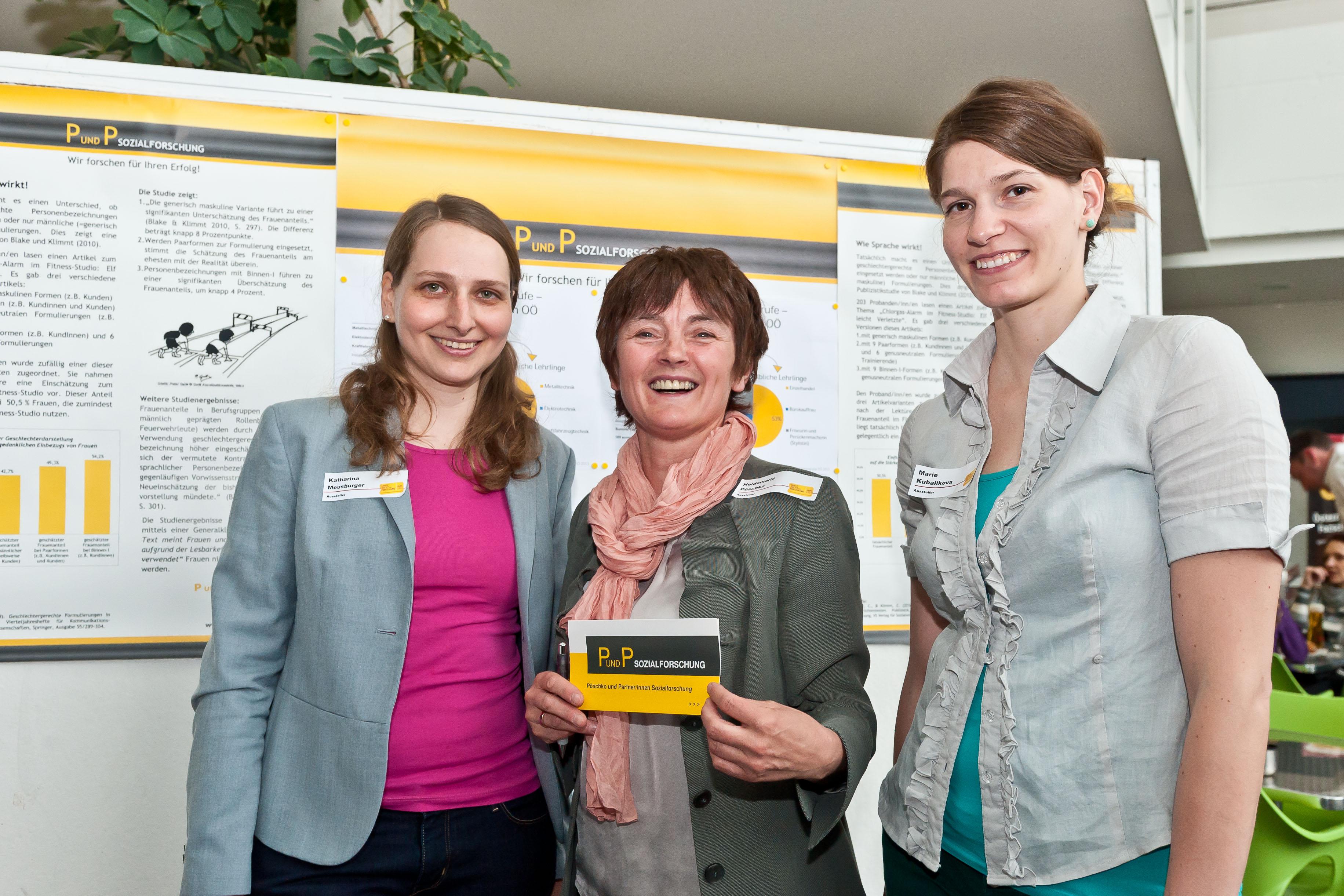 v.l.n.r.: P und P  Mitarbeiterin Katharina Meusburger, Geschäftsführerin  Heidemarie Pöschko und Praktikantin Marie Kubalikova