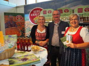 Die Kräuterwirtin Gerlinde Schimpl hat ein neues buchbares touristisches Angebot für Gruppen zusammengestellt: Eine Genussreise durchs Mühlviertel.